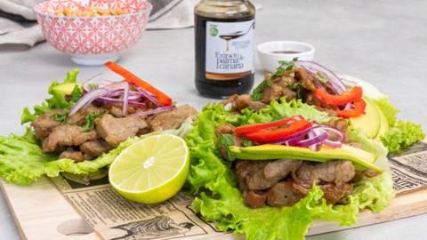 Tacos de cerdo glaseados con extracto de palma canaria