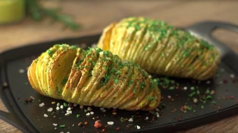Patatas hasselback con alioli