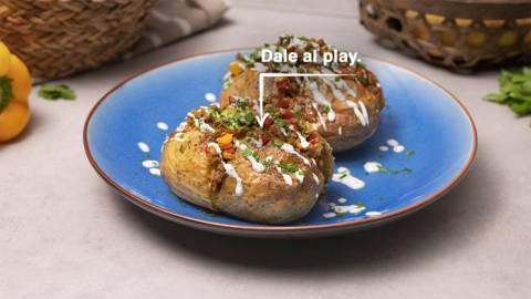 Patatas rellenas de carne picada con salsa de yogur