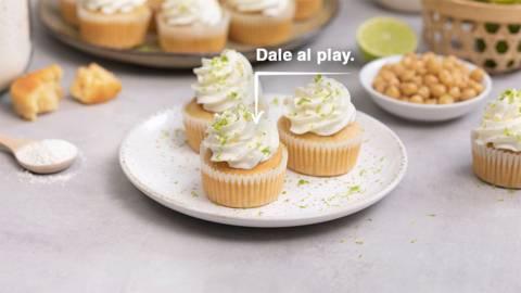 Cupcakes de lima con merengue vegano