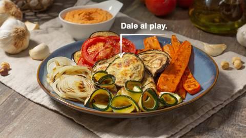 Parrilla de verduras con salsa de avellanas
