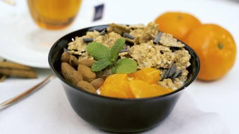 Bowl de mandarina con infusión de canela y manzana