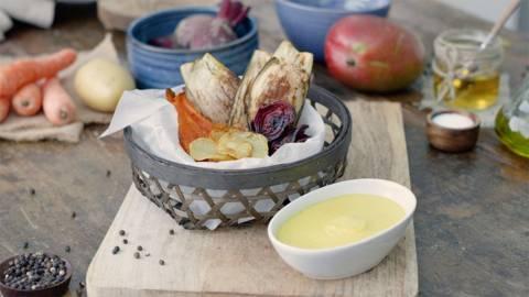 Chips de verduras con dip de mango