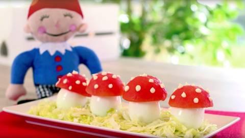 Setas de huevo y tomate