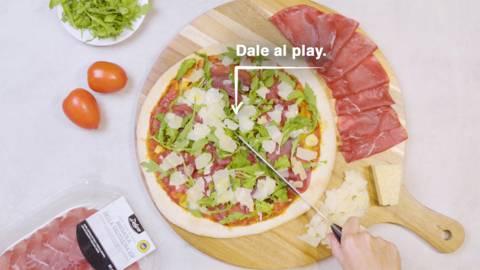 Pizza Deluxe con base y queso canario