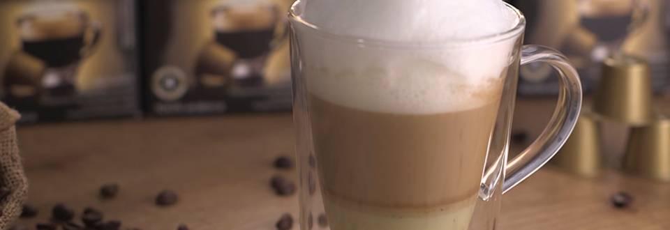 Cómo hacer café con leche al pistacho