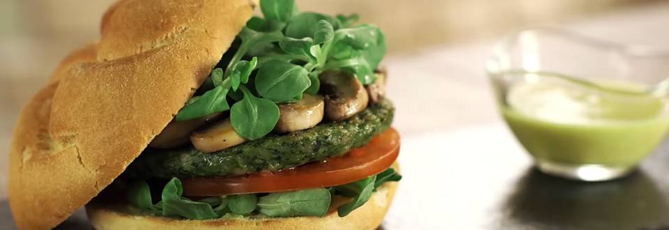 Cómo hacer hamburguesa de pollo y espinacas