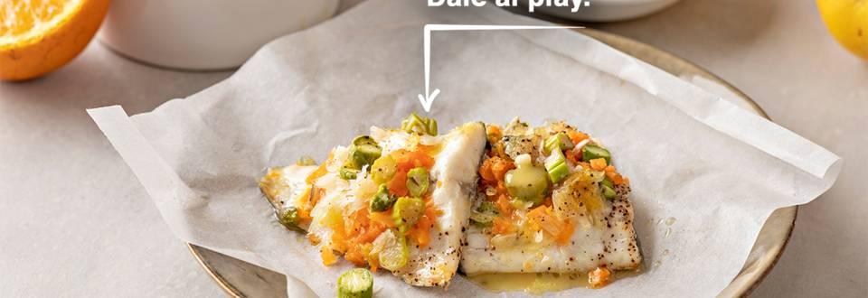 Cómo hacer lubina al papillote con verduras