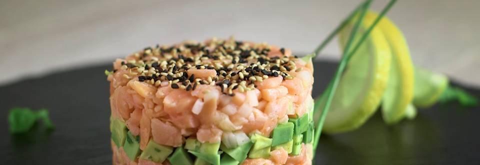 Cómo hacer un tartar de salmón y aguacate