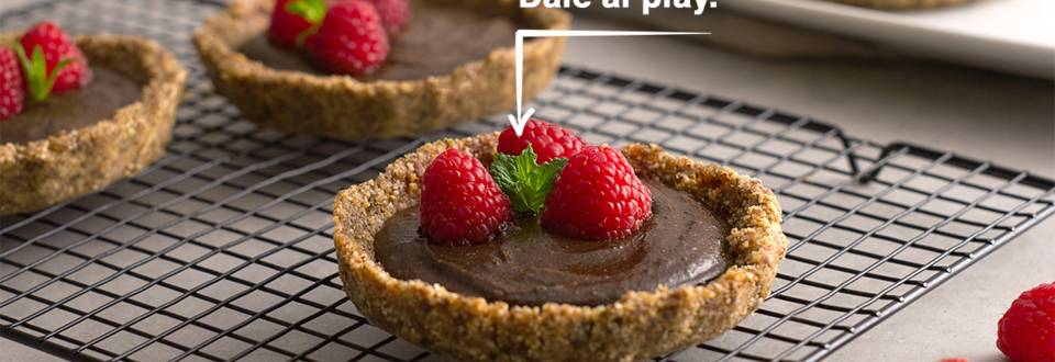 Cómo hacer tartaletas de cacao con frambuesas