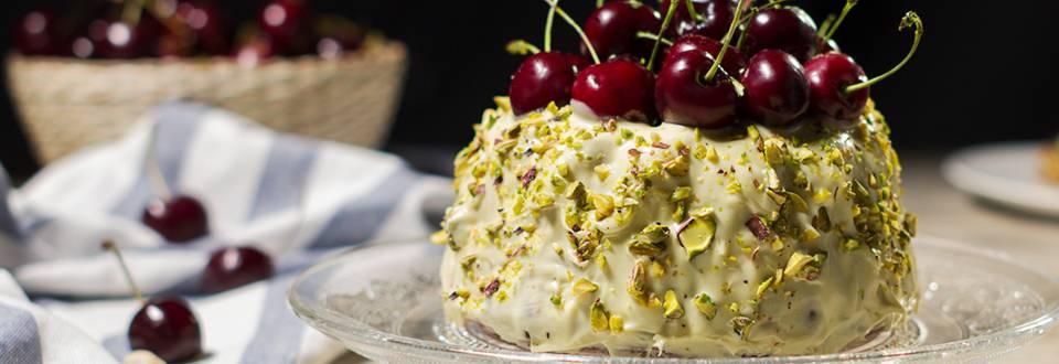 Cómo hacer bundt cake de cerezas