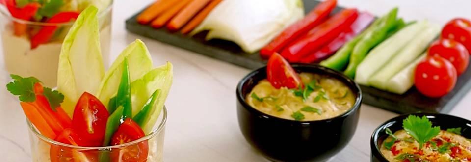 Cómo hacer crudité de verdura con salsas
