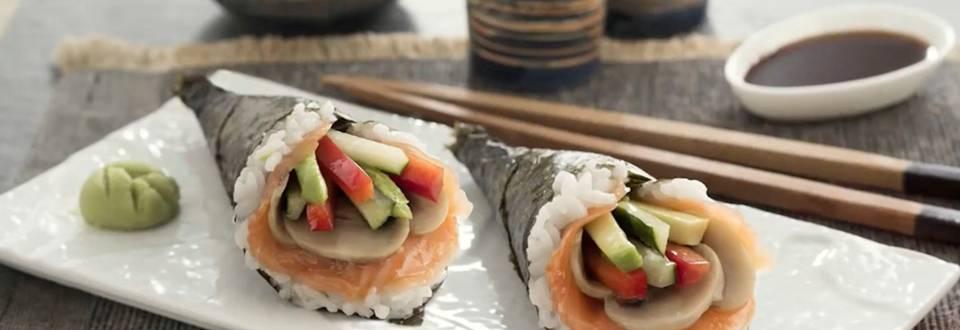 Cómo hacer sushi temaki de salmón