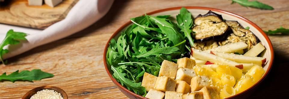Cómo hacer ensalada de tofu ecológico