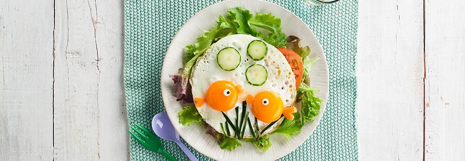 Cómo hacer huevos a la plancha con forma de peces