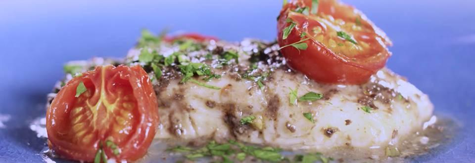 Cómo hacer lomo de bacalao con salsa de aceitunas