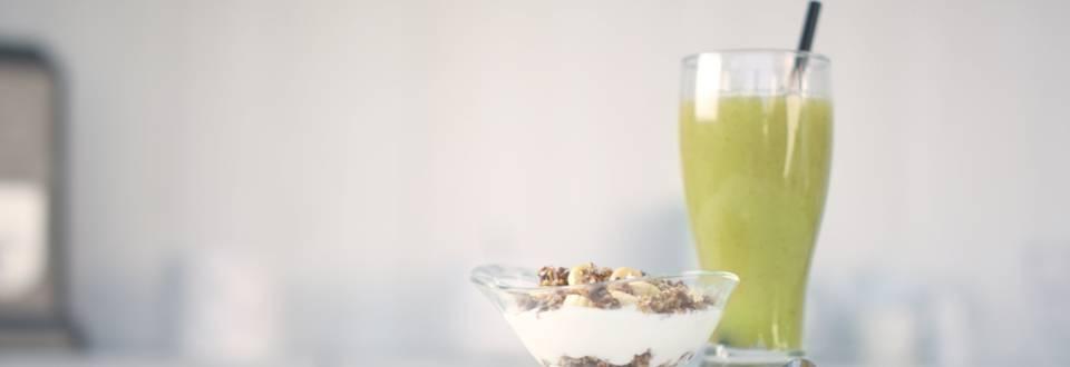 Cómo hacer batido depurativo y yogur