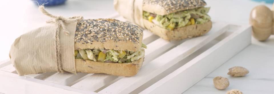 Cómo hacer sándwich de pavo con pesto de espinacas