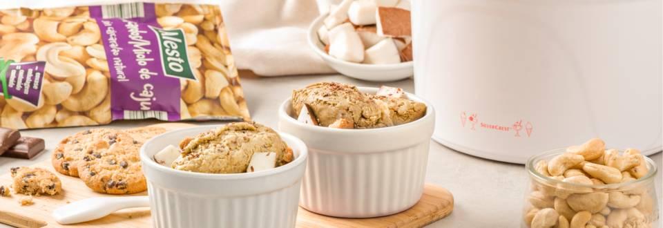 helado vegano de coco y galleta