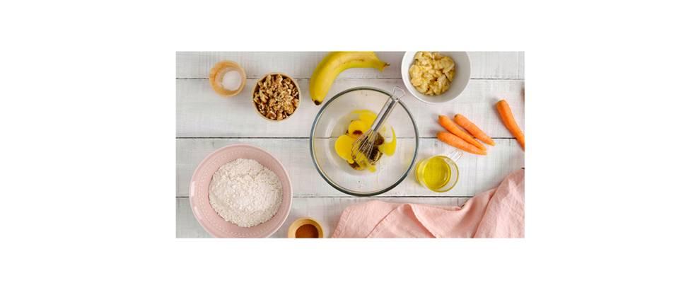 Paso 1 - Preparar la mezcla del pastel con todos los ingredientes