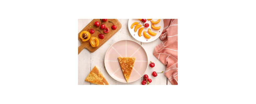 Tortitas, nísperos y cereza
